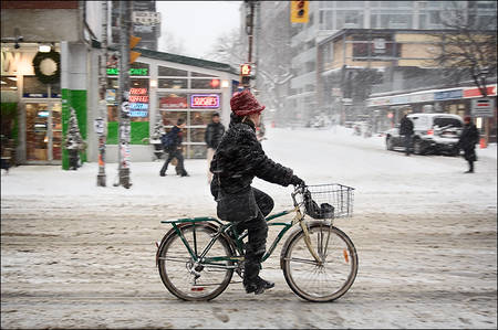 snow panning bike lady queen-john 01