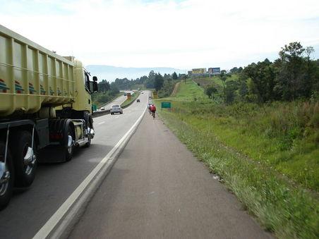 Caminhões na br-376