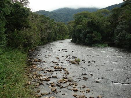 Rio São João Guaricana chaminé castelhanos