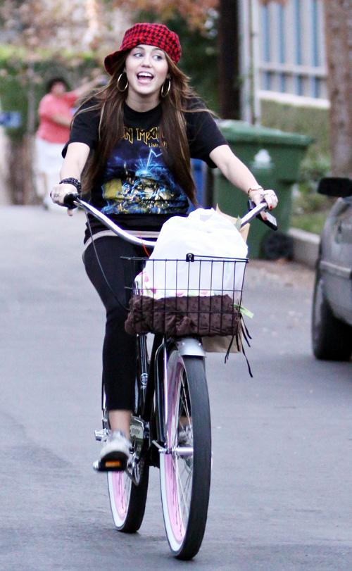 Ela também pedala!