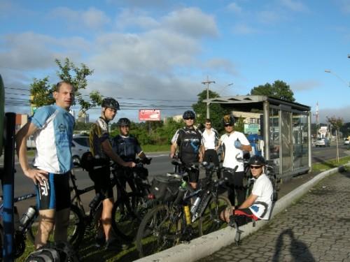 A partida, em frente a Havan Barigui