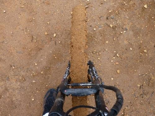 Mimetismo de um pneu polimórfico