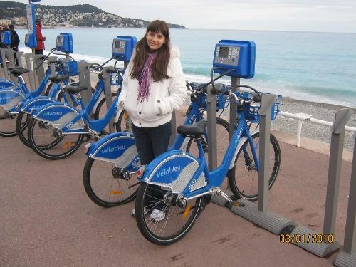 Rafaela vélo bleu, Nice